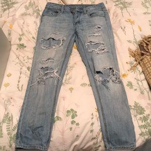 Women's American Eagle Boyfriend Ripped Blue Jeans